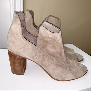 STEVE MADDEN | Nello Pull On Suede Booties 10